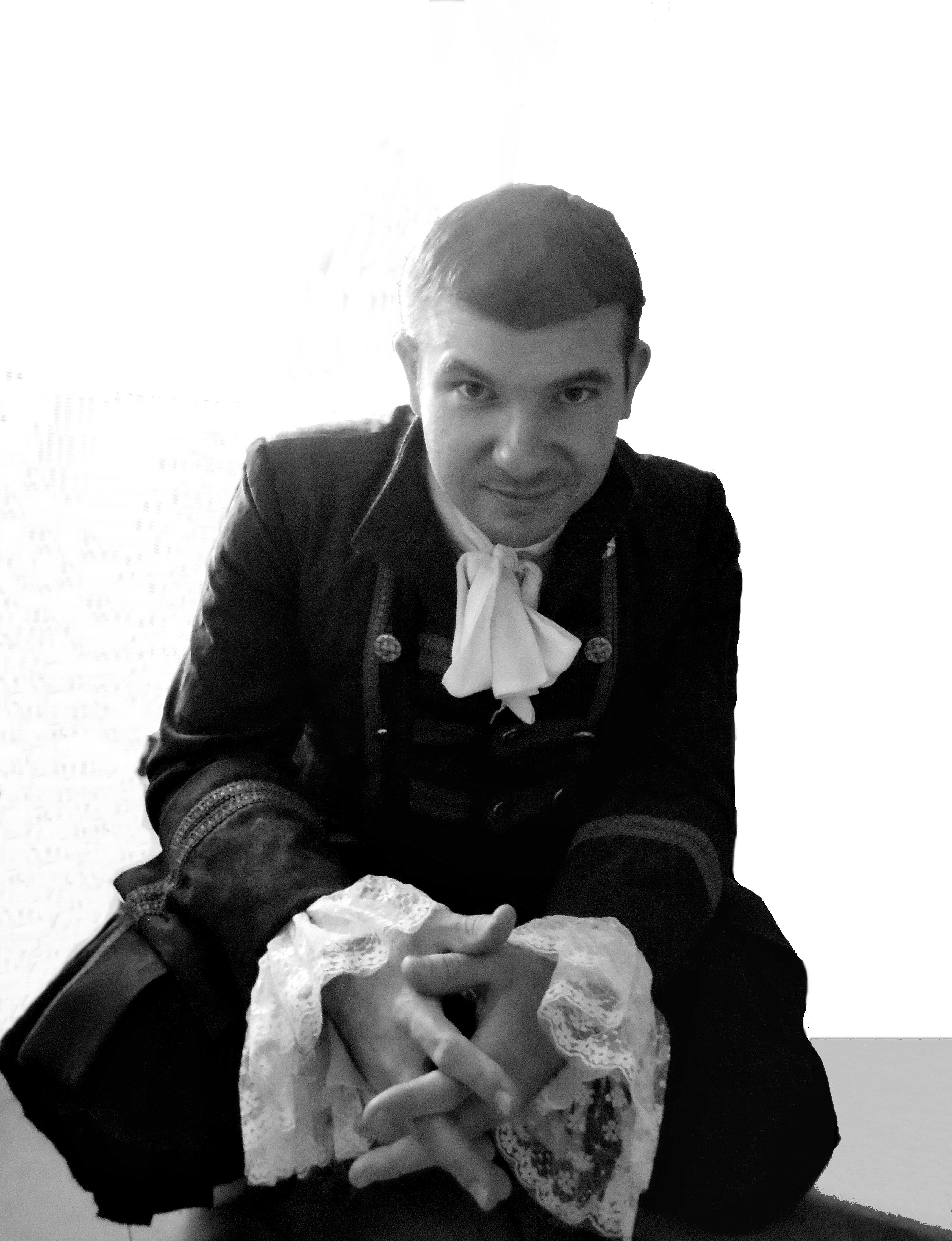 Милан Поповић
